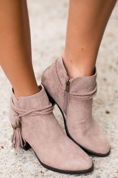 0ade040a9e18f67a394cabce0613c600--suede-ankle-boots-ankle-booties