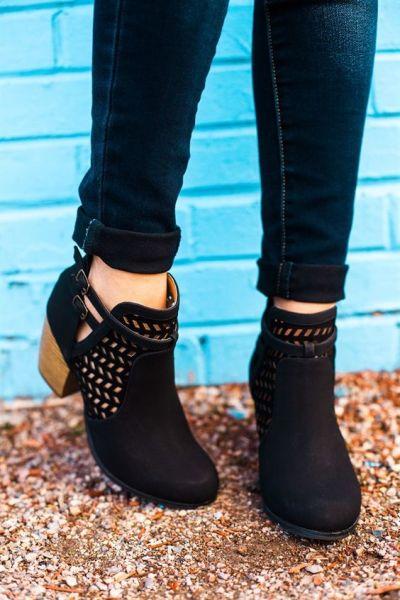 39a31e3c30176e343a1f2b4c232ee7c6--shoes-booties-spring-booties