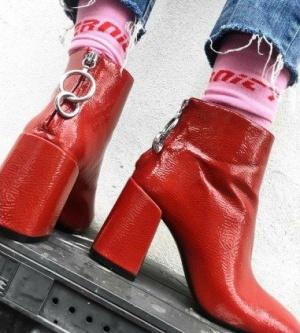 bota-vermelha-ziper-atras_edited